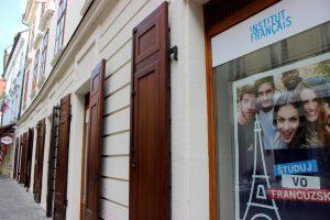 Nouvelles mesures à l'Institut français