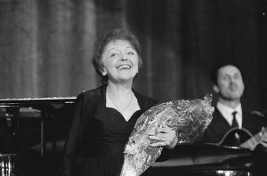 [Portrait de…] Edith Piaf